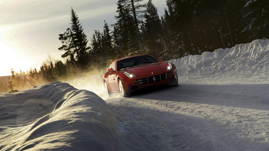 The Ferrari FF playing in the snow