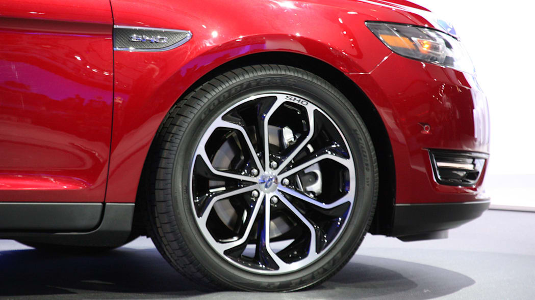 2013 Ford Taurus SHO wheel at the 2011 New York Auto Show