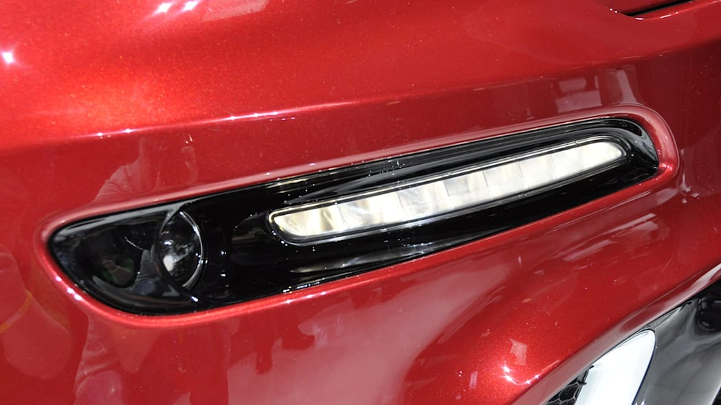 2012 Jeep Grand Cherokee SRT8 LED lights at the 2011 New York Auto Show