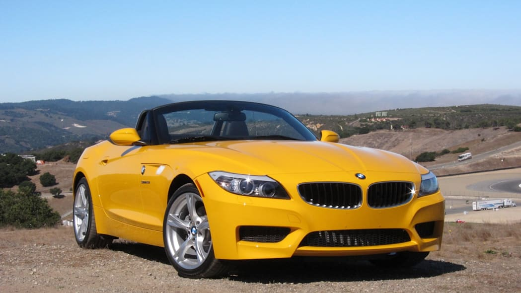 2012 BMW Z4 sDrive28i front 3/4 view tight