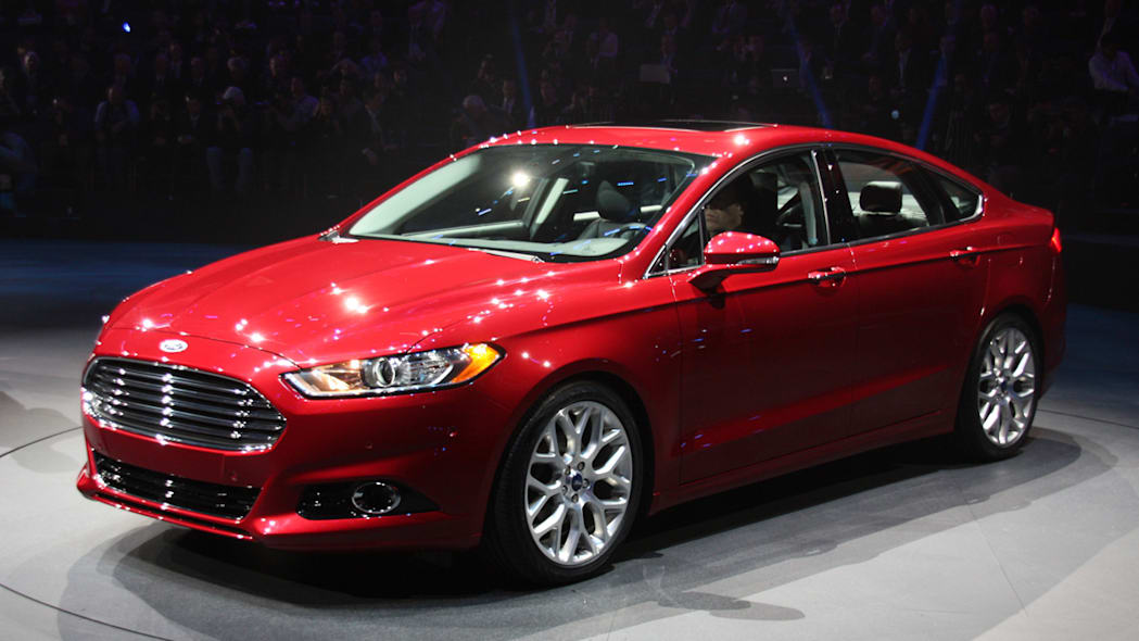 2013 Ford Fusion Eager To Take On Camry Accord Autoblog