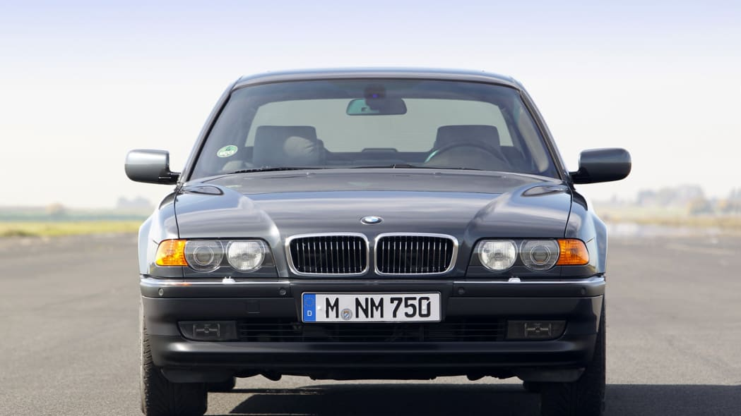 BMW 7 Series celebrates 25 years of the V12