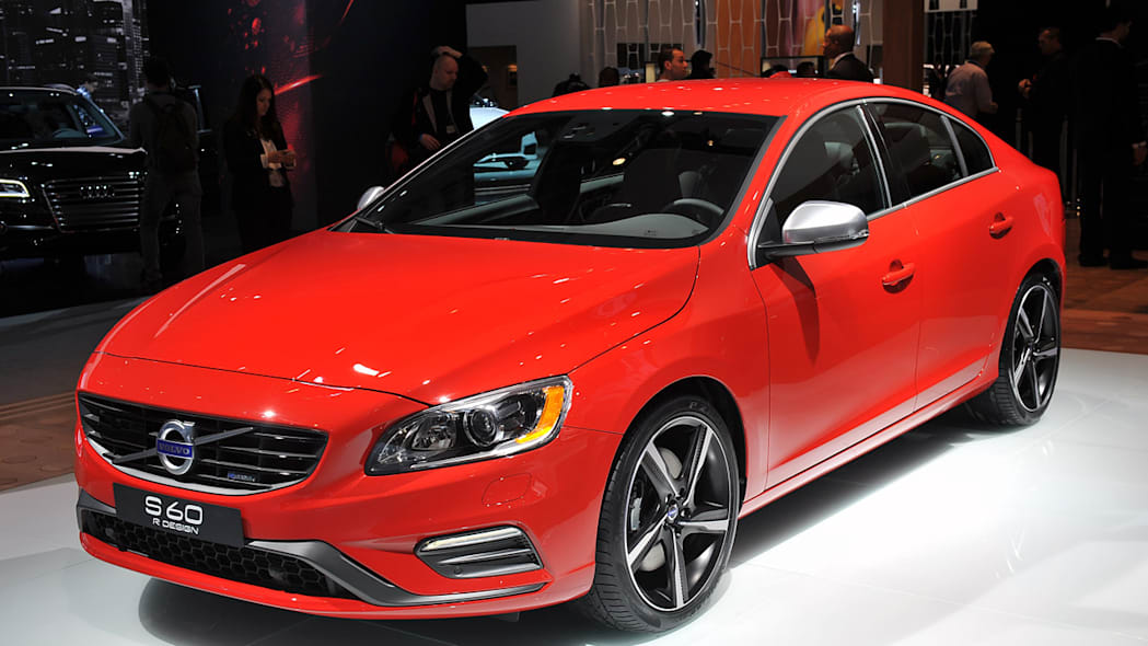 Volvo Rolls Out New R Design Versions Of S60 Xc60 And New