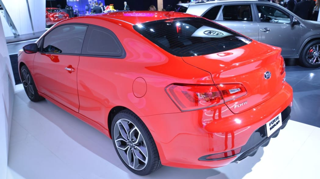 2014 Kia Forte Koup Bows With New Look New Engine Autoblog
