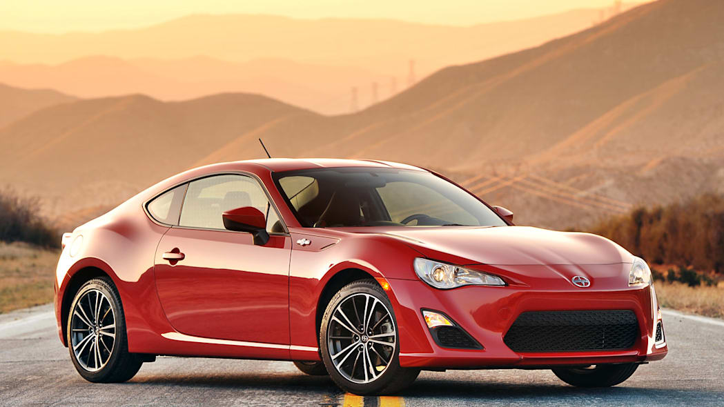 Two new RWD Toyota sports cars to join FR-S?