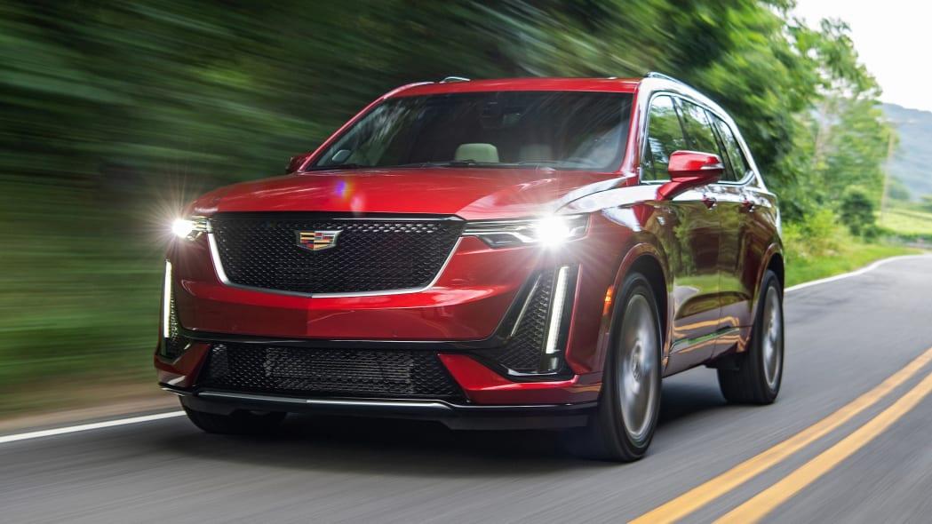 2020 Cadillac XT6 Sport exterior front 3/4