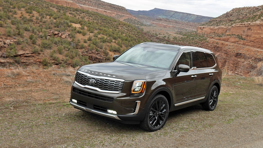 2020 Kia Telluride from front 3/4