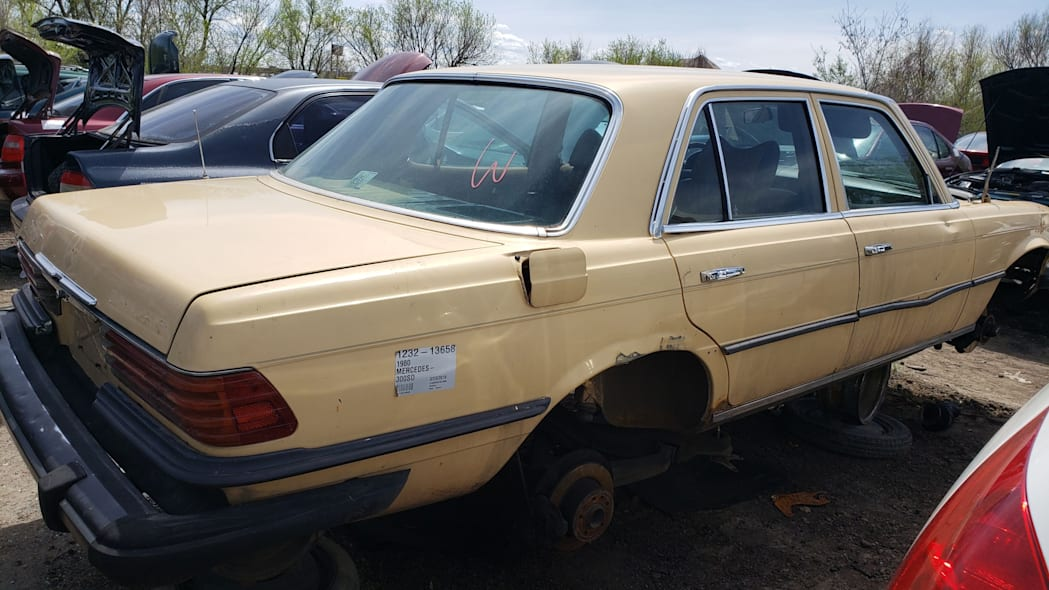 33 - 1980 Mercedes-Benz 300D in Colorado wrecking yard - photo by Murilee Martin