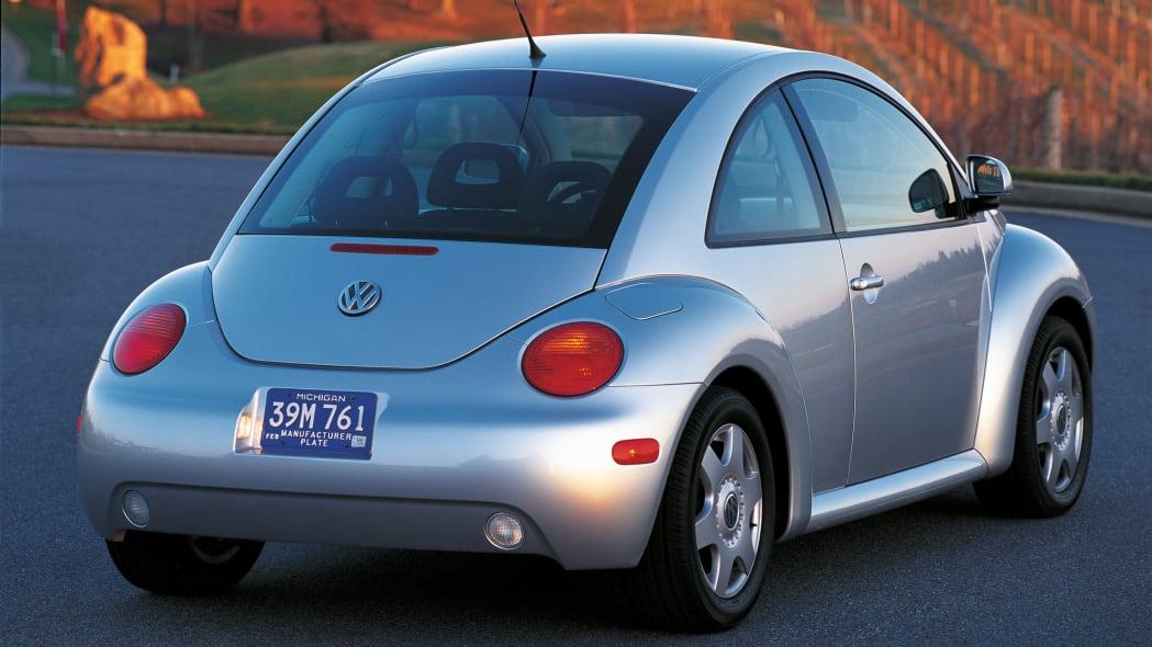 Volkswagen New Beetle in silver