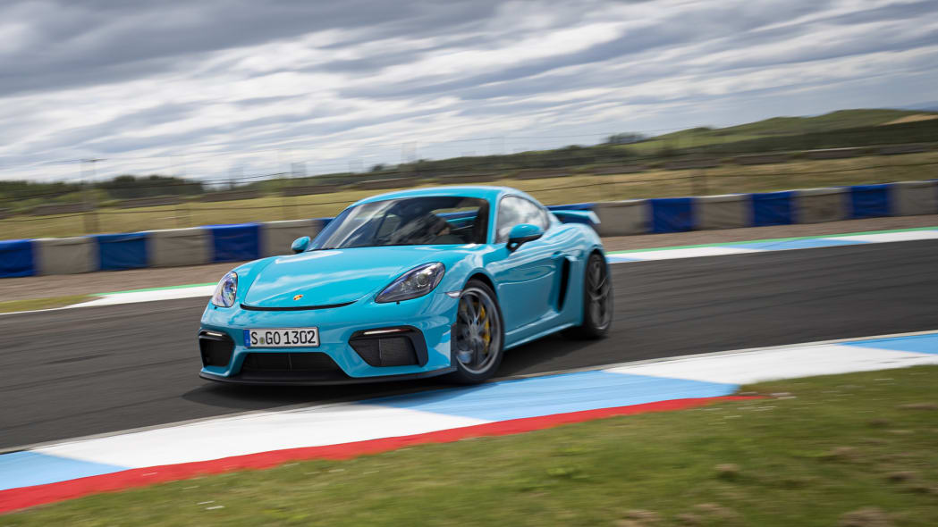 Next-gen Porsche 718 Cayman and Boxster EVs could pack 400 hp