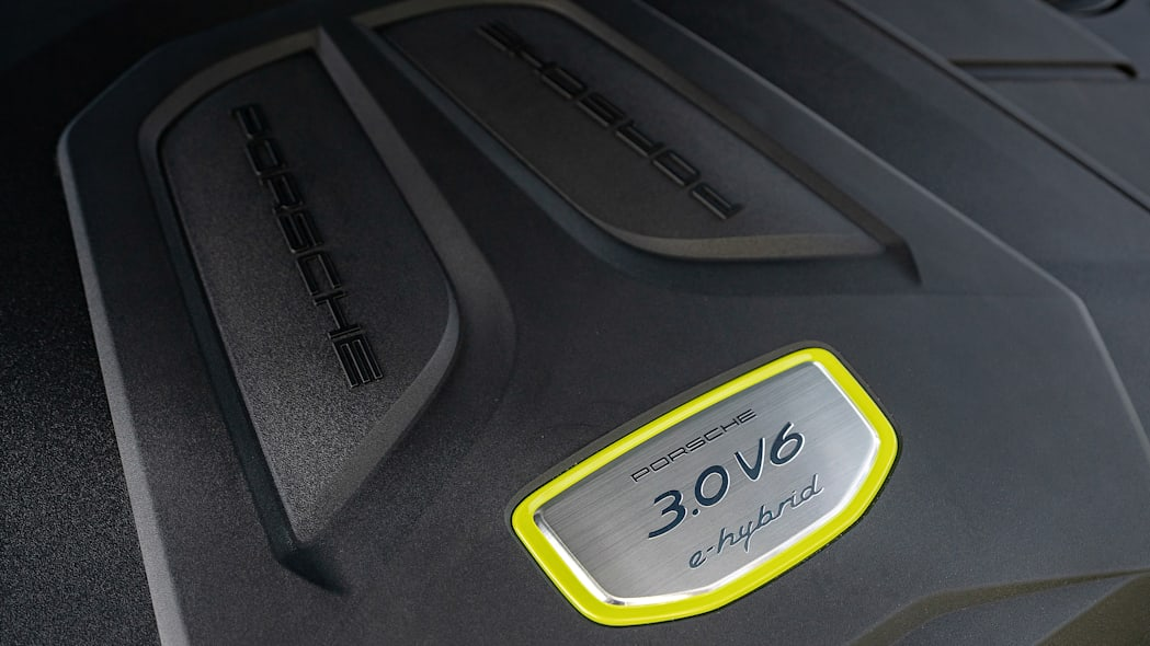 29-2020-porsche-cayenne-e-hybrid-fd