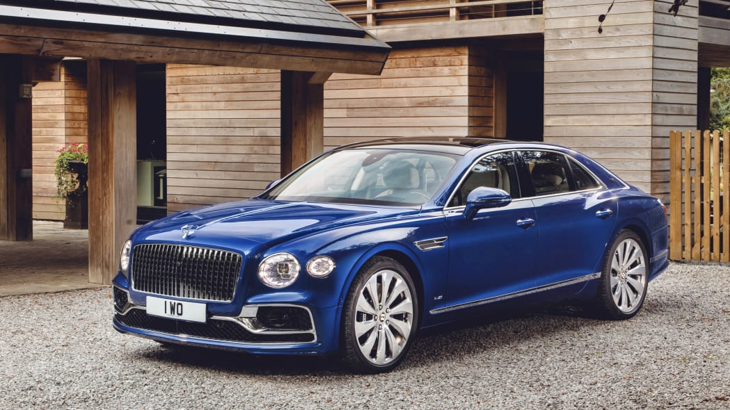 2020_bentley_flying_spur_first_edition_003