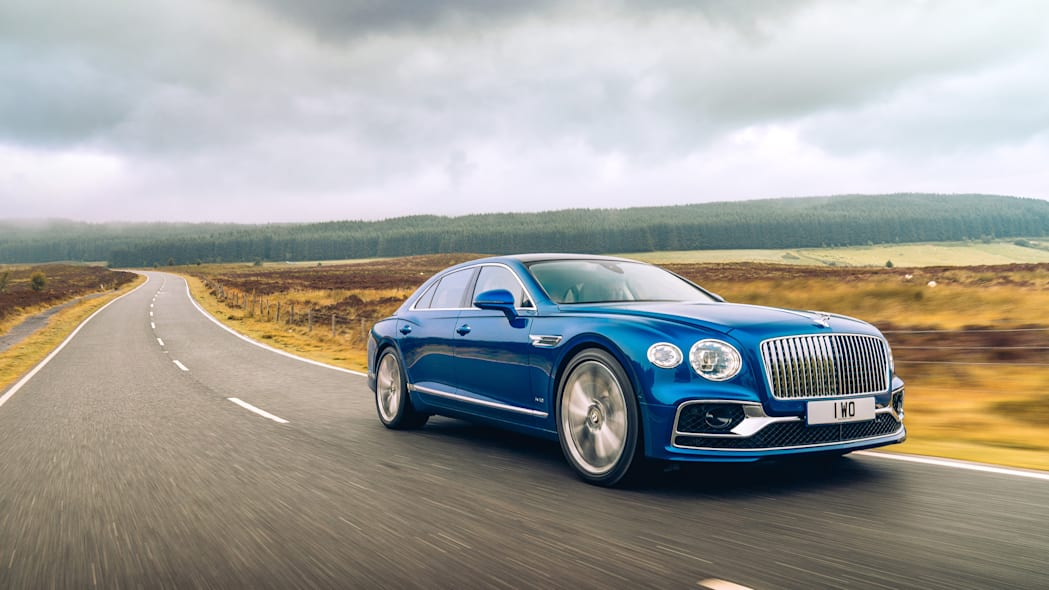 2020_bentley_flying_spur_first_edition_004