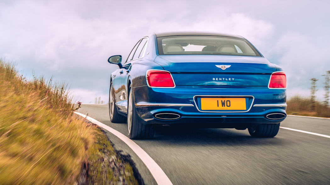 2020_bentley_flying_spur_first_edition_005
