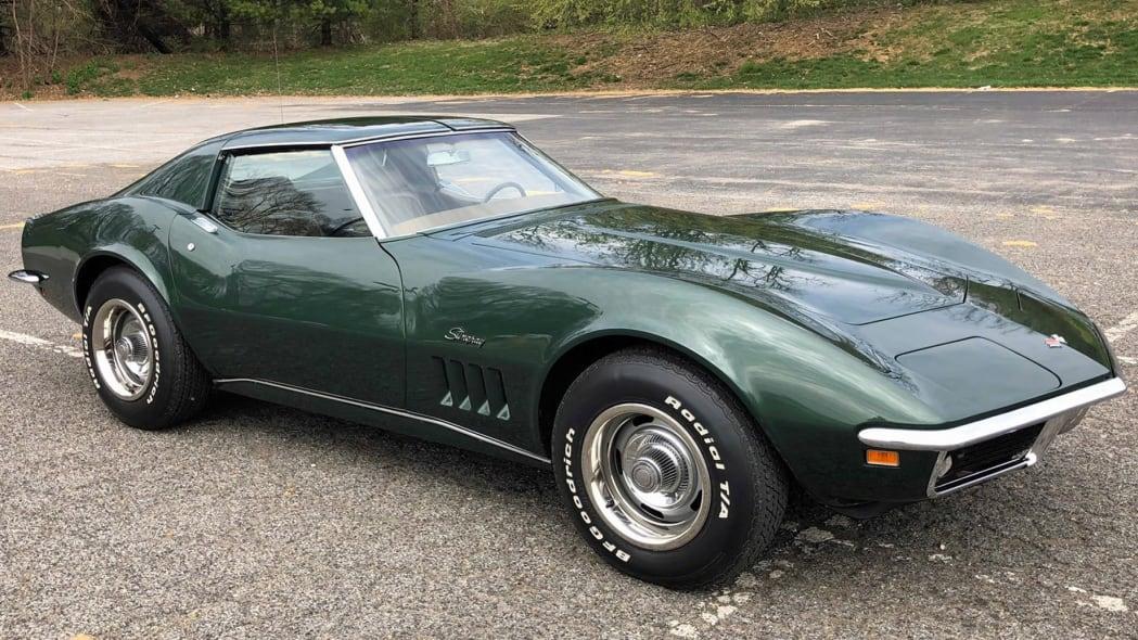 1969-chevrolet-corvette-stingray