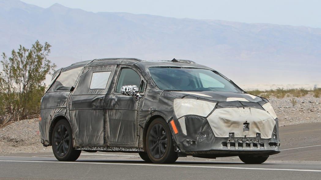 2021 Toyota Sienna caught testing in Death Valley