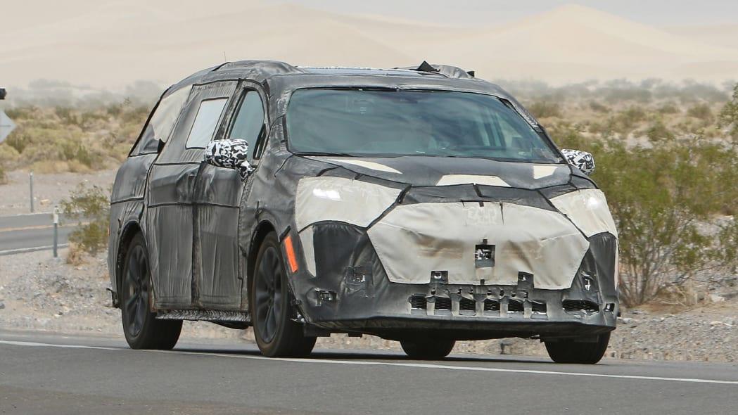 Toyota Sienna Spy Photos