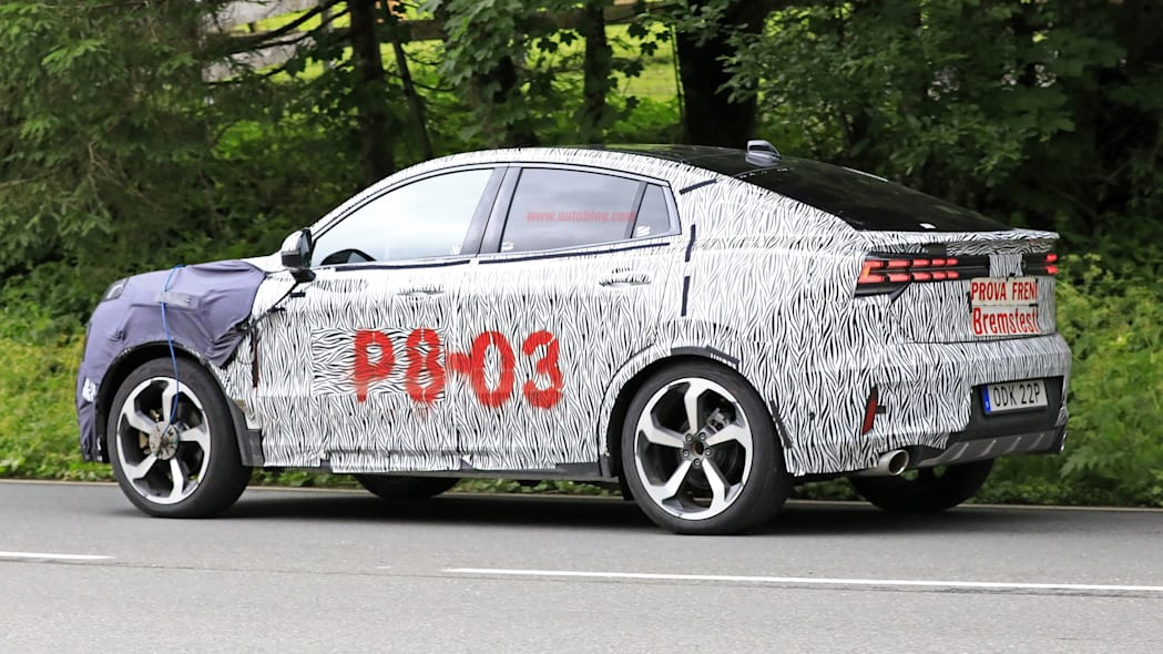 Lynk & Co Crossover Coupe | Spy Shots