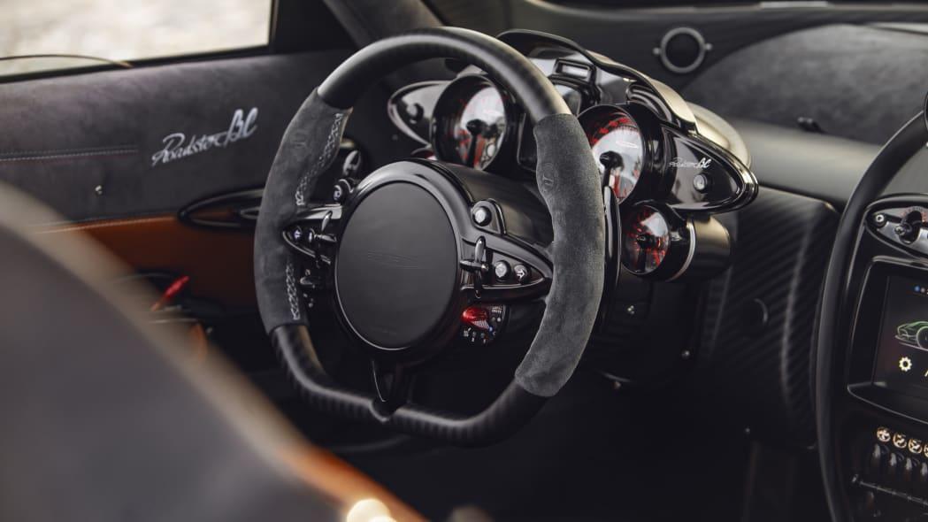 Pagani-Huayra-Roadster-BC-04