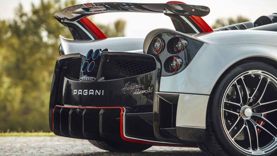 Pagani-Huayra-Roadster-BC-02