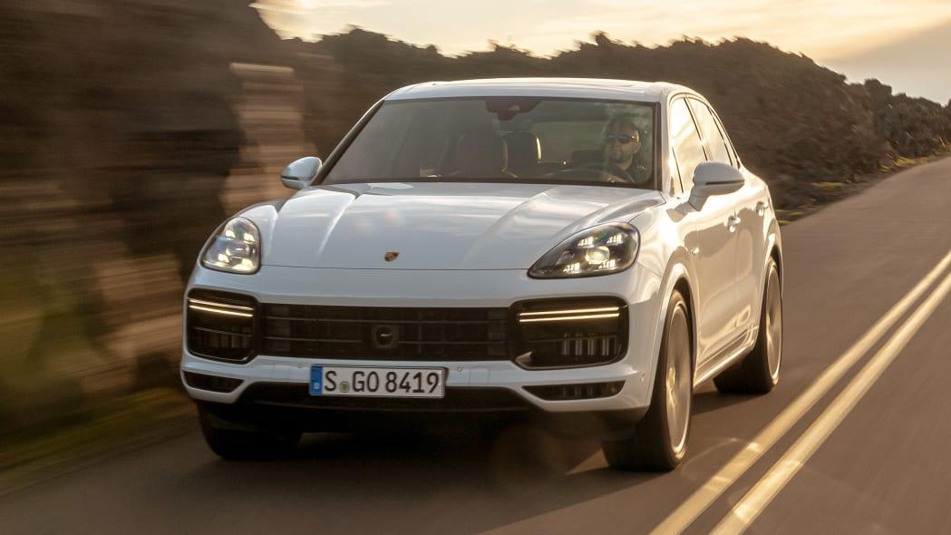 01-2020-porsche-cayenne-turbo-s-e-hybrid-fd