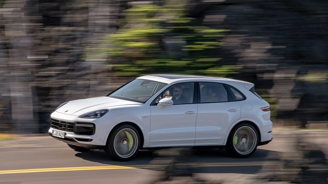 09-2020-porsche-cayenne-turbo-s-e-hybrid-fd