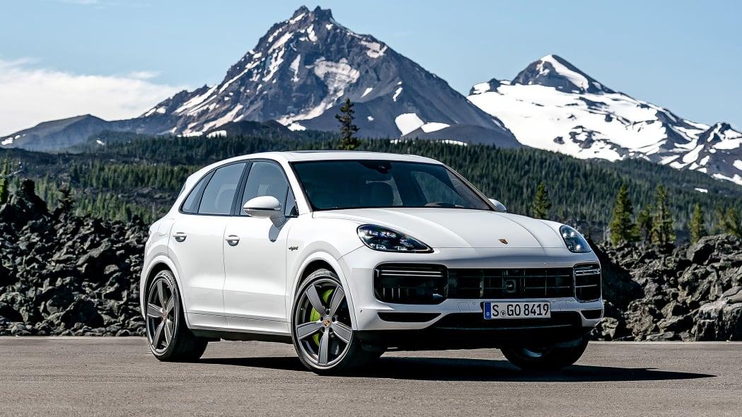 13-2020-porsche-cayenne-turbo-s-e-hybrid-fd