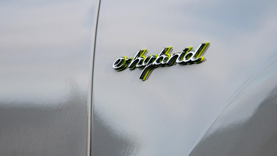 22-2020-porsche-cayenne-turbo-s-e-hybrid-fd