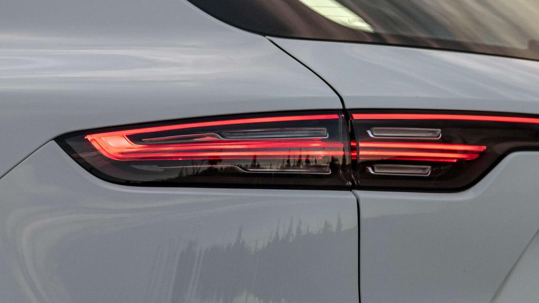 25-2020-porsche-cayenne-turbo-s-e-hybrid-fd