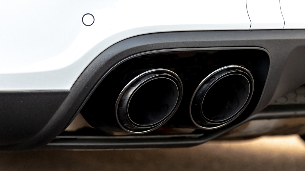 26-2020-porsche-cayenne-turbo-s-e-hybrid-fd