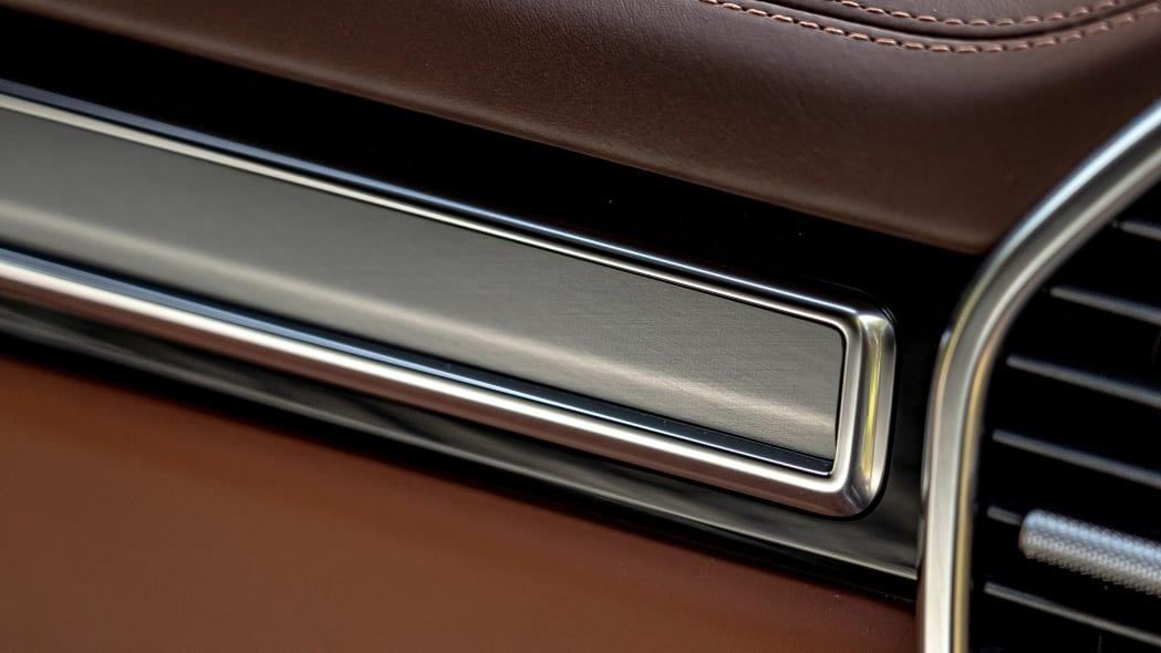 51-2020-porsche-cayenne-turbo-s-e-hybrid-fd