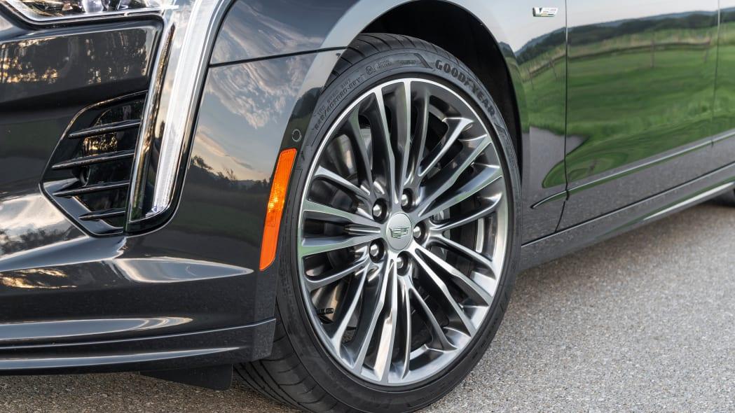 2020 Cadillac CT6-V wheel