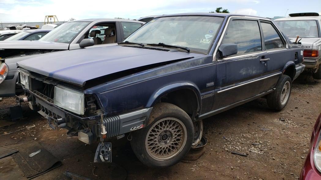 00 - 1991 Volvo 780 Bertone Coupe in Colorado junkyard - photo by Murilee Martin