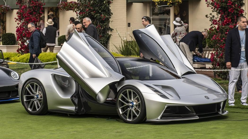01-pebble-beach-concept-car-lawn-2019