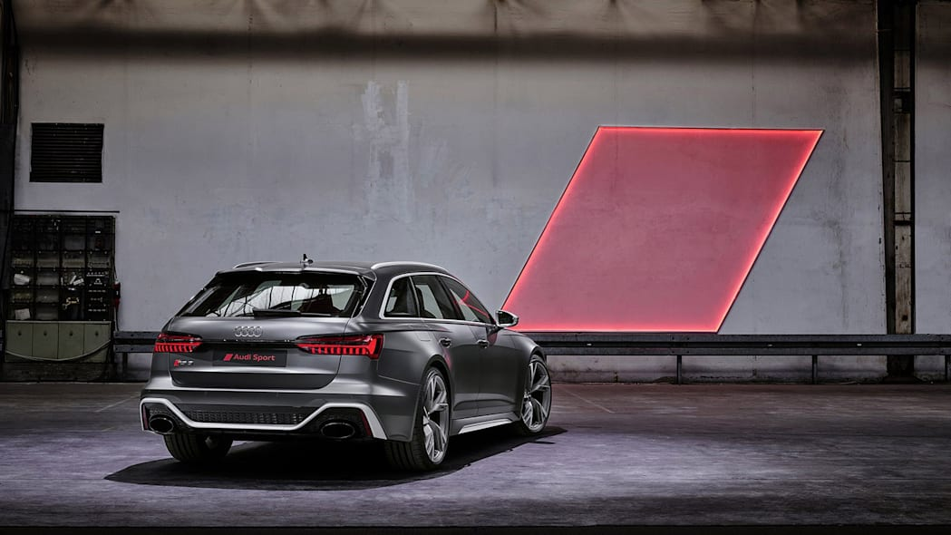 Audi-RS6-Avant-C8-310