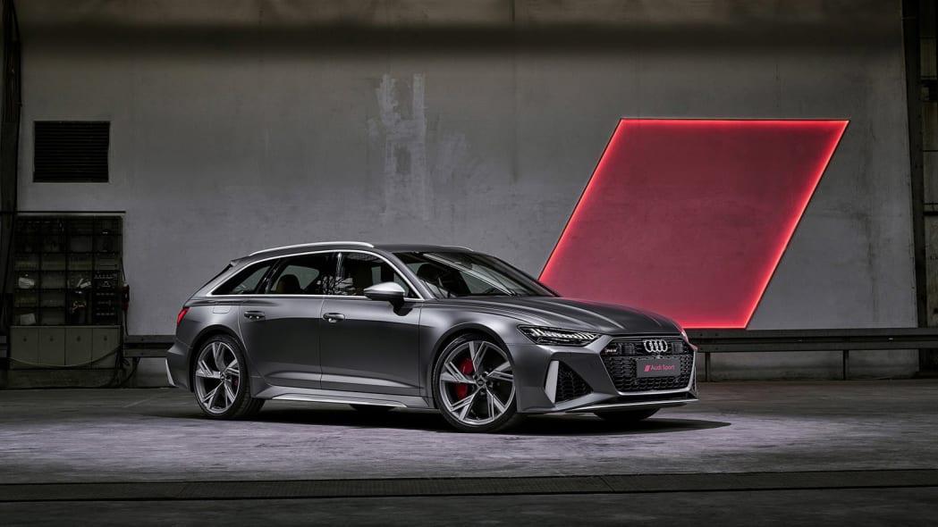 Audi-RS6-Avant-C8-311