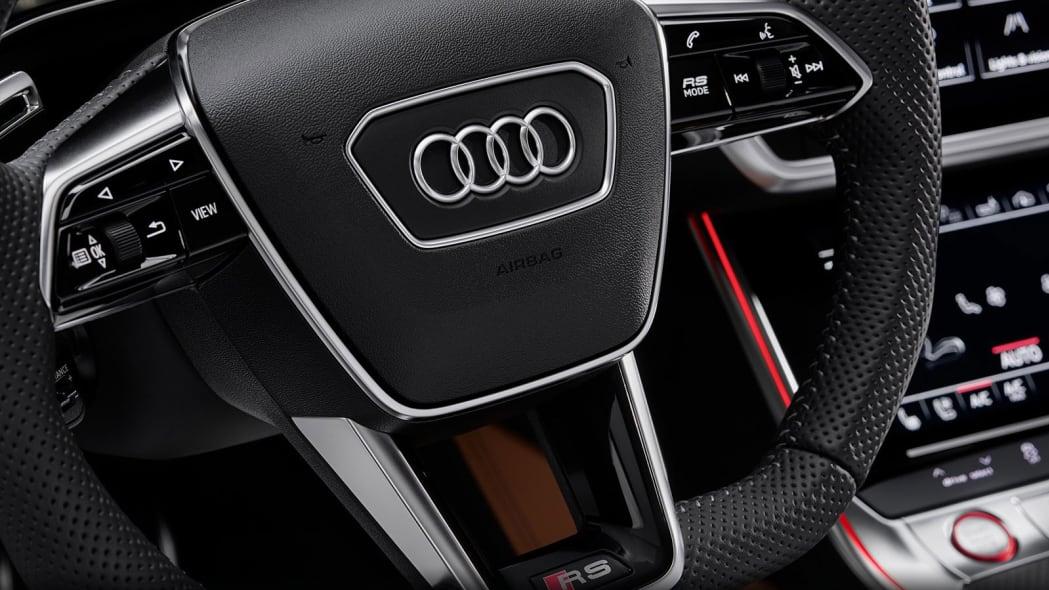 Audi-RS6-Avant-C8-302
