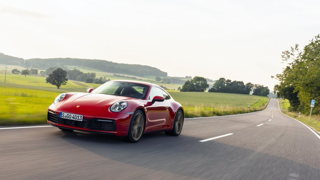 2020-porsche-911-carrera-fd-red-03