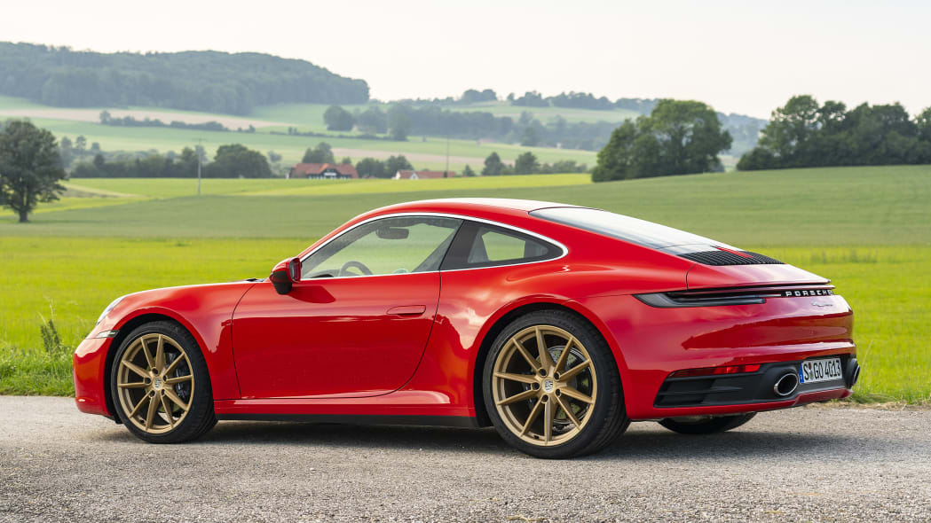 2020-porsche-911-carrera-fd-red-11