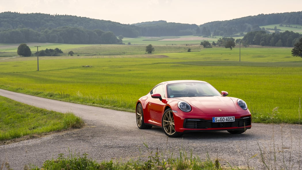 2020-porsche-911-carrera-fd-red-12