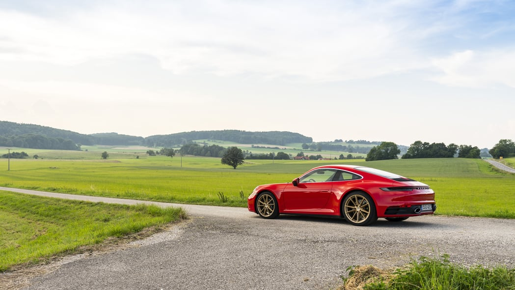 2020-porsche-911-carrera-fd-red-13