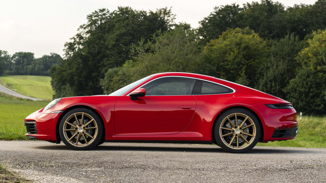 2020-porsche-911-carrera-fd-red-14
