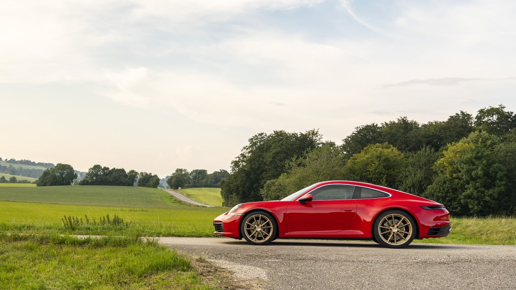 2020-porsche-911-carrera-fd-red-15