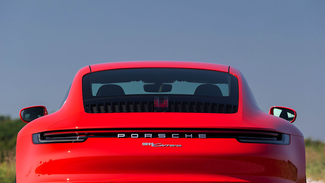 2020-porsche-911-carrera-fd-red-23