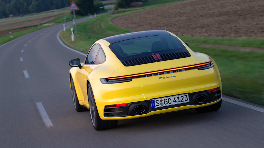 2020-porsche-911-carrera-fd-yellow-35