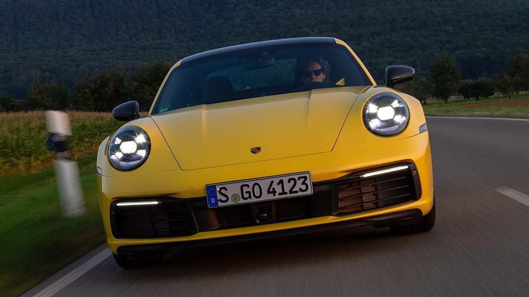 2020-porsche-911-carrera-fd-yellow-36