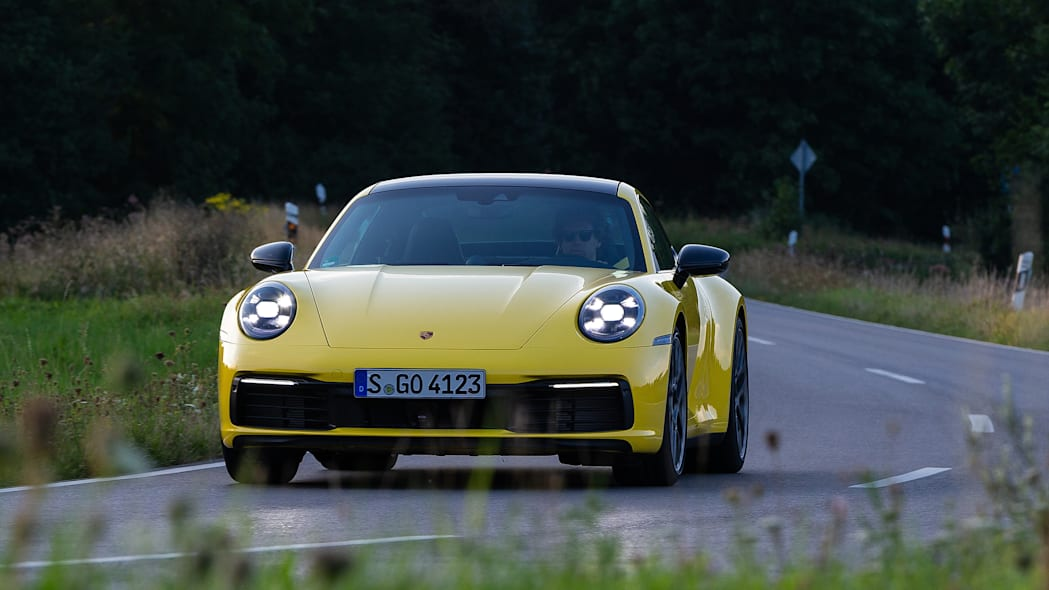2020-porsche-911-carrera-fd-yellow-37
