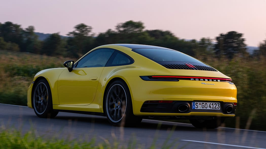 2020-porsche-911-carrera-fd-yellow-38