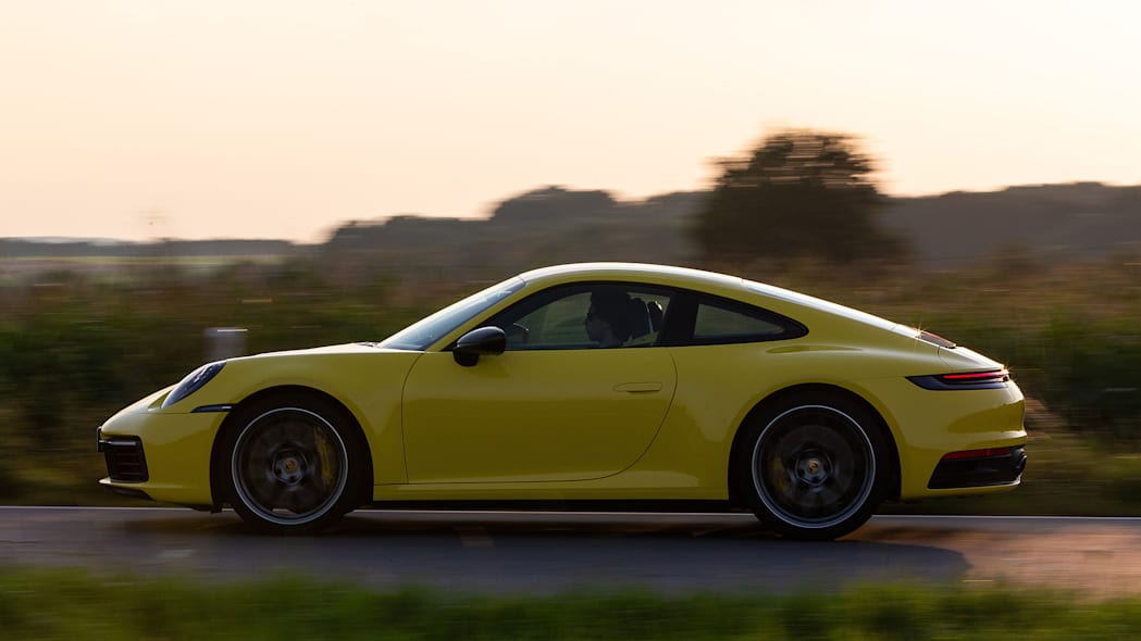2020-porsche-911-carrera-fd-yellow-41