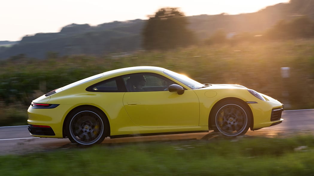 2020-porsche-911-carrera-fd-yellow-42
